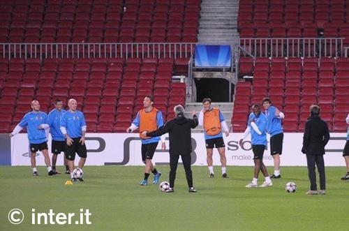 sneijder training pre barca