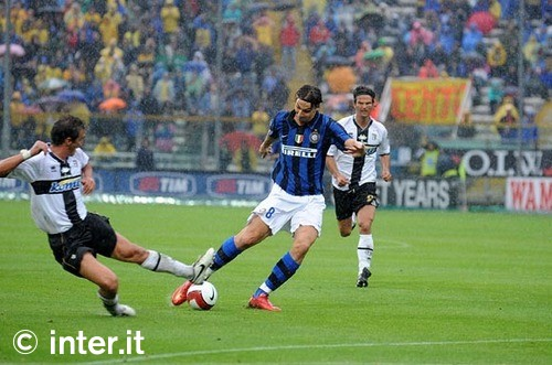 Ibra scores two against Parma