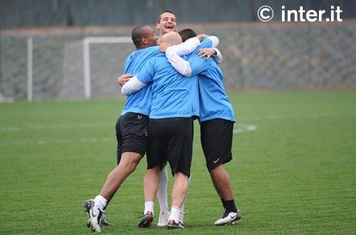 Group Hug pre Roma