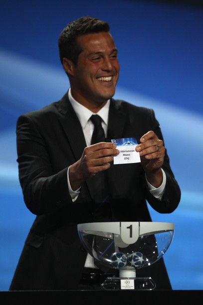 Julio Cesar draws Inter Milan during the Champions League Draw