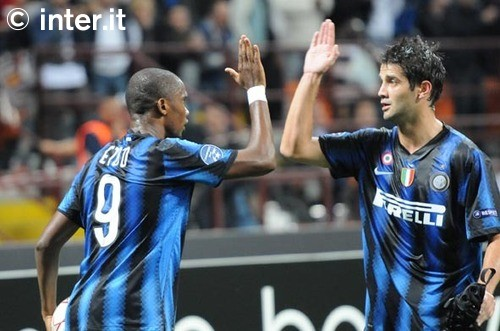 Etoo Chivu all good
