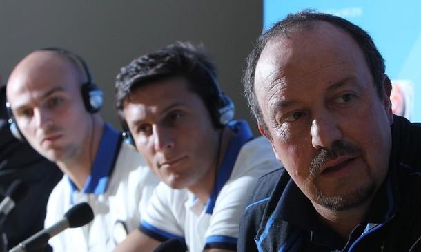 Zanetti, Cambiasso and Benitez at the presser