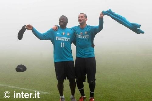 Muntari and Chivu in the fog