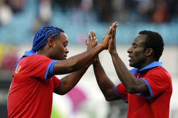 eydou Doumbia and Vagner Love