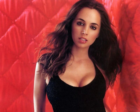 Eliza_dushku_2_medium