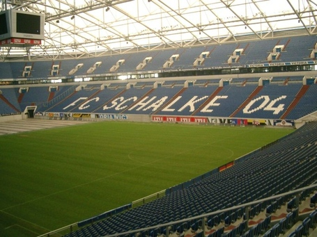 800px-schalke04stadion1_medium