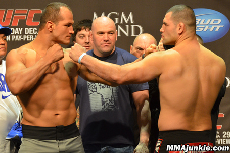 Junior-dos-santos-cain-velasquez_medium