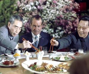 Nixon-at-dinner_medium