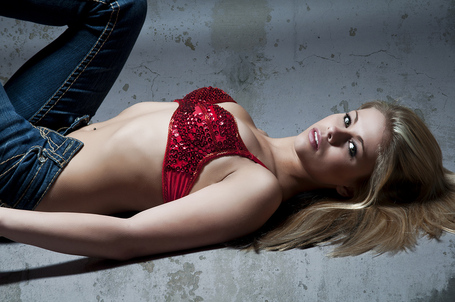 Paige-vanzant-wmma-fighter-and-model-5_medium
