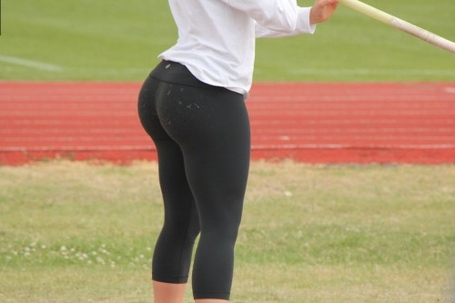 Big-booty-in-yoga-pants-5-500x333_medium