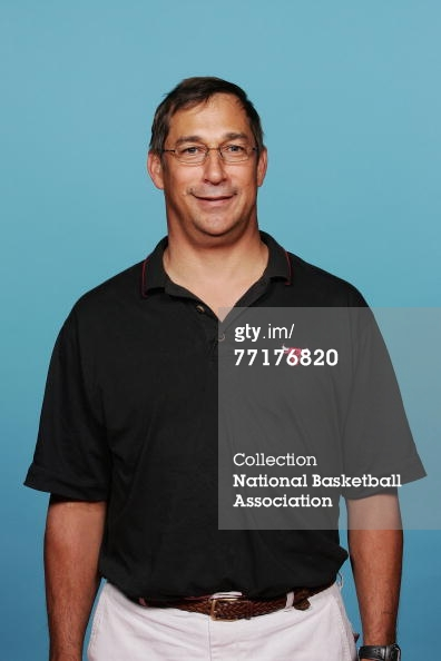 77176820-athletic-trainer-fred-tedeschi-of-the-chicago-gettyimages_medium
