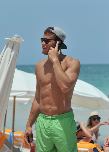 Blake-griffin-shirtless-07162011-17_medium
