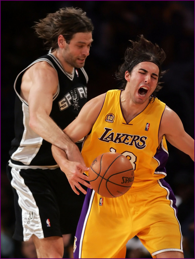 Sasha_vujacic_and_fabricio_oberto_53_medium