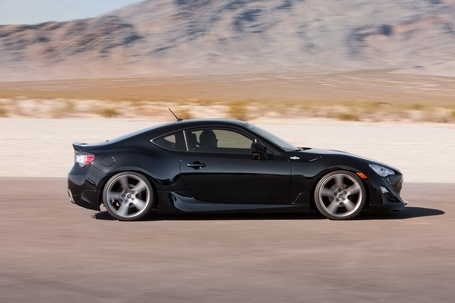 2013-scion-fr-s-new-photos-released-photo-gallery_27_medium
