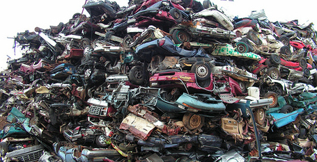 Skyrfid_20car_20scrap_20pile_medium