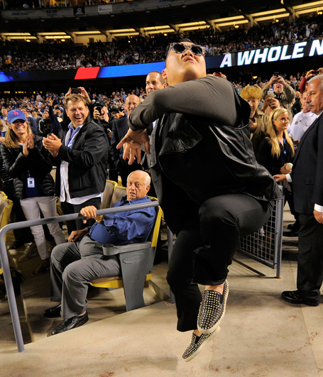 Psy-tommy-lasorda_20130501054217225_0_0_jpg_medium