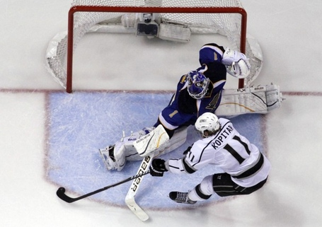 Kings_blues_hockey_055e8_medium