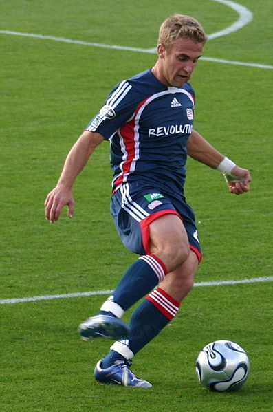 397px-taylortwellman_2006_mls_cup_medium
