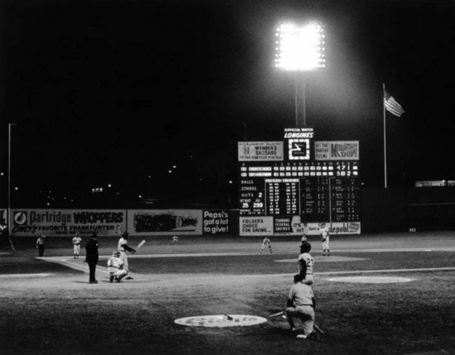 11_crosley_field_june_24_1970-thumb-550x429-21680211_medium