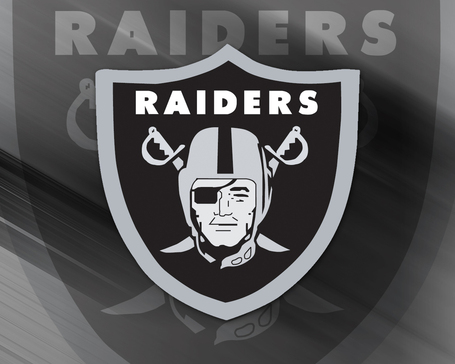 Nfl_oakland_raiders_1_medium