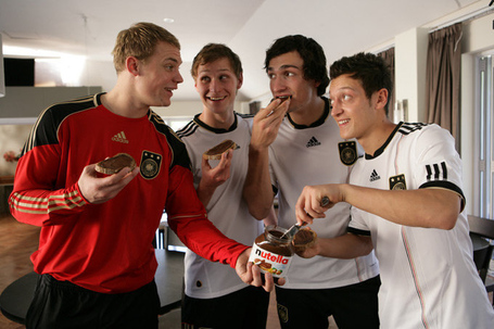 Mesut-ozil-with-german-teammates-national-team-nutella-funny_medium