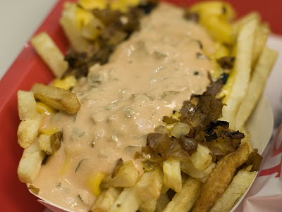 In_n_out_animal_style_fries_medium