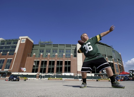 Lambeau_wire_982w_medium
