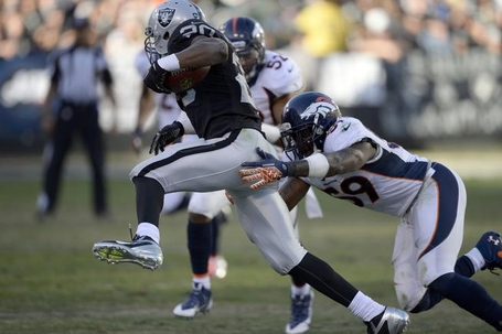 20131229__danny-trevathan-broncos-raiders-122913_p1_medium