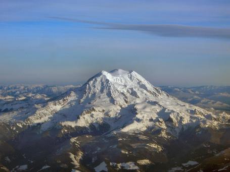 Mt_rainier_peaks_medium