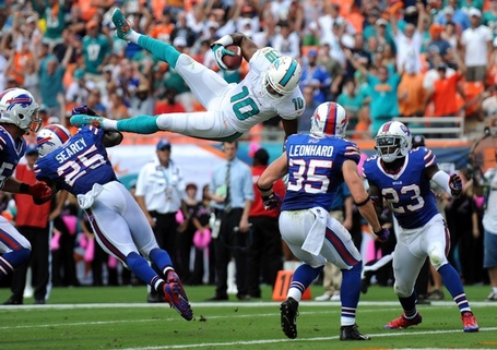 Sports_fbn-bills-fins_4_fl_t607_jpg_medium