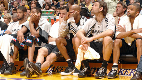 Nba_g_spurs_bench_580_medium