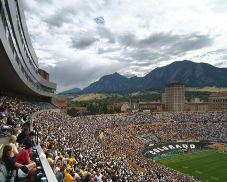 750px-folsom_field_medium