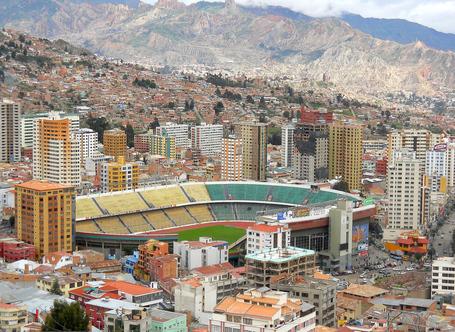 Hernando_siles_stadium_-_la_paz_medium