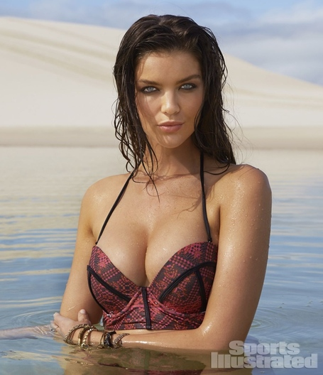 Natasha-barnard-in-bikini-sports-illustrated-2014-swimsuit-issue_1_medium