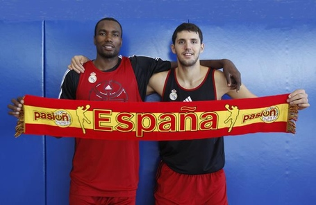 Mirotic_ibaka_bandera_espana_medium