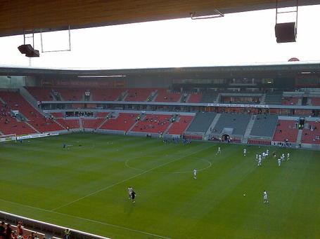800px-stadion_eden_medium