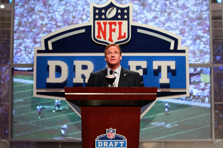Roger-goodell-nfl-draft_medium