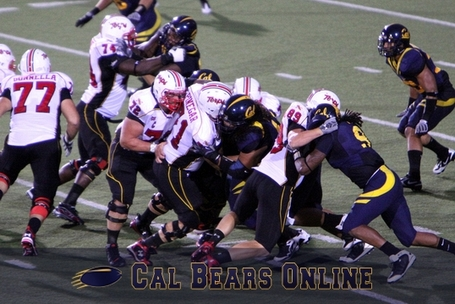 Cal_bears_defense_090509_0295_medium