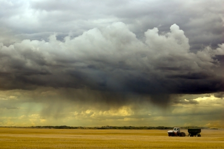 Dsc_2732_tractor_and_storm_large_medium