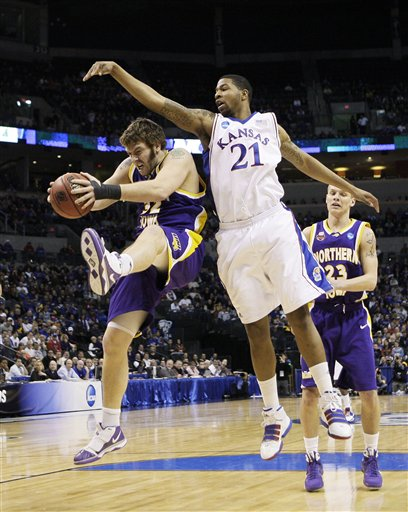 42405_ncaa_northern_iowa_kansas_basketball_medium
