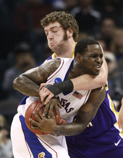 42429_ncaa_northern_iowa_kansas_basketball_medium