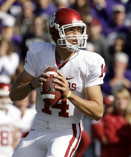 34381_oklahoma_bradford_football_medium