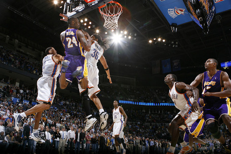 436377217b0d4529325ce09357815336-getty-90040750lm034_lakers_thunder_medium