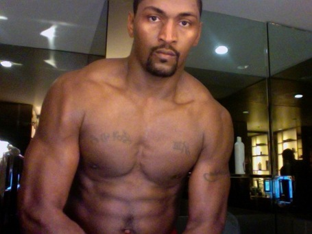 Ron_artest_without_a_shirt_on_after_working_out_medium