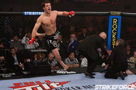 021_luke_rockhold_vs_paul_bradley_medium