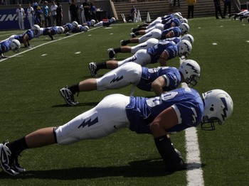 United-states-air-force-academy-football-2009-season-team-push-ups-afa-f-2009-00013lg_medium