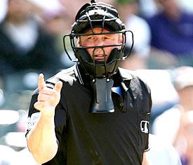 Umpire_medium