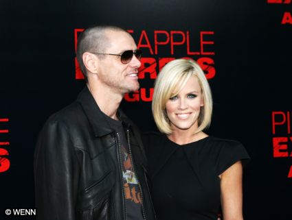 Jim_carrey_jenny_mccarthy_001_250908_medium