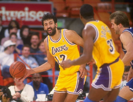 Vlade_oldlakers_main_medium