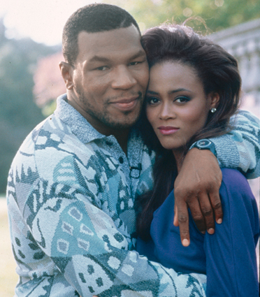 Robin-givens-and-mike-tyson-hugging_src_medium